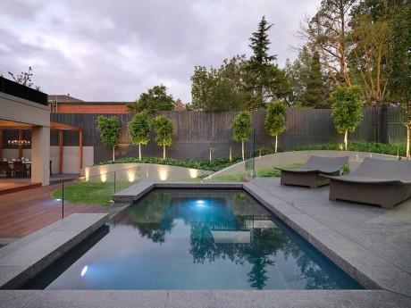 Profile pools courts and landscapes mcnamara pools for Pool lights melbourne
